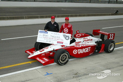 Pole winner Bruno Junqueira with Chip Ganassi