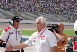 Roger Penske congratulates the winners