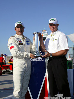 Richie Hearn receives MBNA Pole winner award