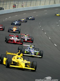 Sam Hornish Jr. leading a group of cars