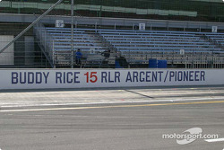 The 2004 Indianapolis 500 winner's pitwall