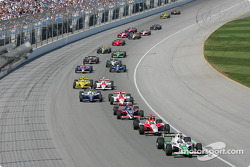 Tony Kanaan leads the field