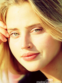 Ethereal beauty: Estella Warren