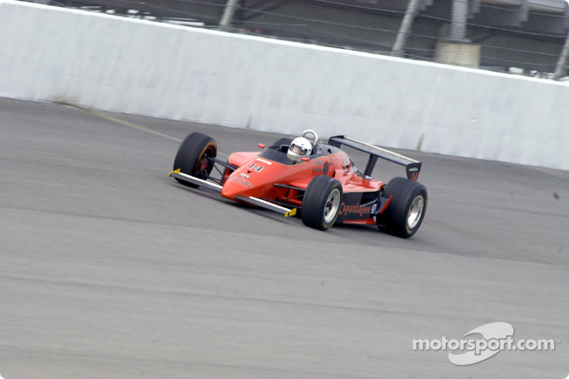 Historic Champ cars showcase: Lola Cosworth T-900 at full speed
