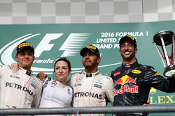 1st place Lewis Hamilton, Mercedes AMG F1, 2nd place Nico Rosberg, Mercedes AMG F1 and 3rd place Daniel Ricciardo, Red Bull Racing