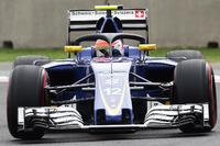 Formula 1 Foto - Felipe Nasr, Sauber C35 with the Halo cockpit cover