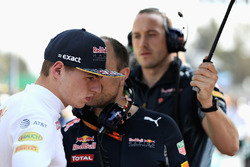 Max Verstappen, Red Bull Racing talks with race engineer Gianpiero Lambiase