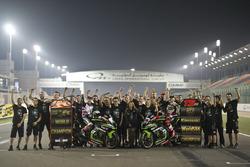 Jonathan Rea, Kawasaki Racing and Tom Sykes, Kawasaki Racing with the team