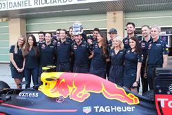 Daniel Ricciardo, Red Bull Racing and team mate Max Verstappen, Red Bull Racing at a team photograph