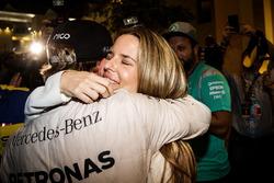 Nico Rosberg, Mercedes AMG F1 feiert seinen WM-Titel mit seiner Frau Vivian Rosberg, Freunden und dem Team
