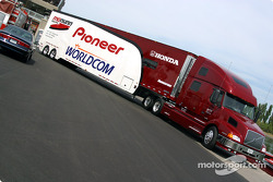 Mo Nunn Racing transporter arriving