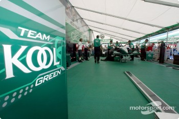 Team KOOL Green garage area