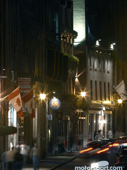 Montréal nightlights: a street in  Old Montréal