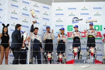 LMP1 podium: race winner Anthony Davidson and Sébastien Bourdais, second place Franck Montagny, Stéphane Sarrazin