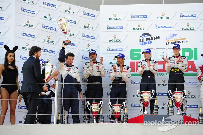 LMP1 podium: race winner Anthony Davidson and Sébastien Bourdais, second place Franck Montagny, Stéphane Sarrazin