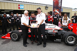 Helio Castroneves, Team Penske with Roger Penske and Tim Cindric