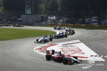 Luca Filippi leads Charles Pic, Alvaro Parente and Romain Grosjean