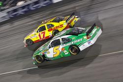Matt Kenseth, Roush Fenway Racing Ford and Mark Martin, Hendrick Motorsports Chevrolet