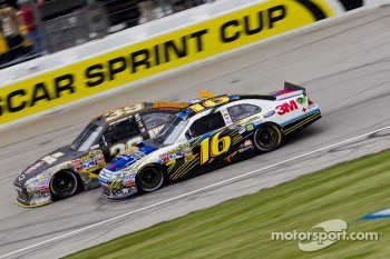 Greg Biffle, Roush Fenway Racing Ford and Ryan Newman, Stewart-Haas Racing Chevrolet