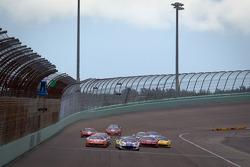 Start: #22 Ferrari of Ft. Lauderdale Ferrari 458 Challenge: Enzo Potolicchio leads the field