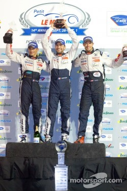 P1 podium: class and overall winners Franck Montagny, Stéphane Sarrazin and Alexander Wurz