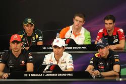 Jenson Button, McLaren Mercedes, Kamui Kobayashi, Sauber F1 Team and Sebastian Vettel, Red Bull Racing