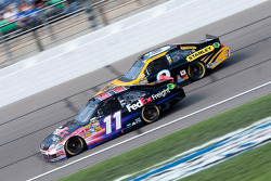 Marcos Ambrose, Petty Motorsport Ford and Denny Hamlin, Joe Gibbs Racing Toyota