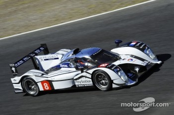 Nicolas Minassian tests the Peugeot 908 HYbrid4