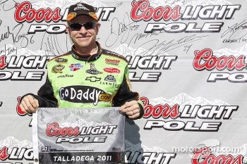 Pole winner Mark Martin, Hendrick Motorsports Chevrolet