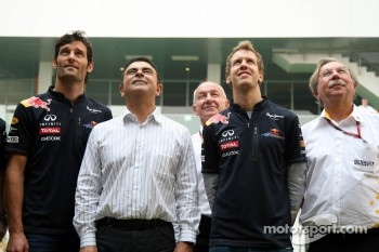 Mark Webber, Red Bull Racing, Carlos Ghosn, CEO Renault-Nissan, Sebastian Vettel, Red Bull Racing,  Jean-Francois Caubet, Managing director of Renault F1