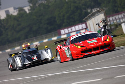 #59 Luxury Racing Ferrari F458 Italia: Frederic Makowiecki, Stéphane Ortelli