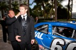 Carl Edwards, Roush-Fenway Ford needs help from crew chief Mike Beam with his tie