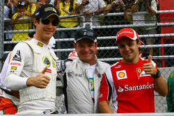 Bruno Senna, Lotus Renault GP with Rubens Barrichello, AT&T Williams and Felipe Massa, Scuderia Ferrari