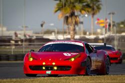#63 Risi Competizione Ferrari 458: Olivier Beretta, Andrea Bertolini, Toni Vilander