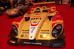 Classic Porsche LMP2 car