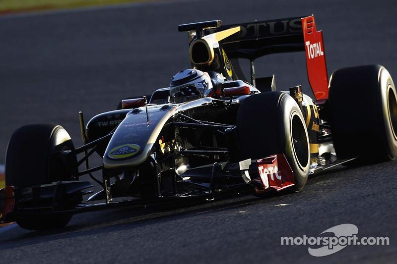 Kimi Raikkonen tests the 2010 Lotus Renault