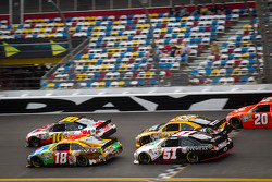 Greg Biffle, Roush Fenway Racing Ford, Kyle Busch, Joe Gibbs Racing Toyota, Ryan Newman, Stewart-Haas Racing Chevrolet, Kurt Busch, Phoenix Racing Chevrolet