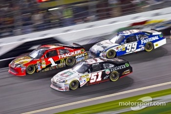 Kurt Busch, Phoenix Racing Chevrolet, Jamie McMurray, Earnhardt Ganassi Racing Chevrolet, Carl Edwards, Roush Fenway Racing Ford