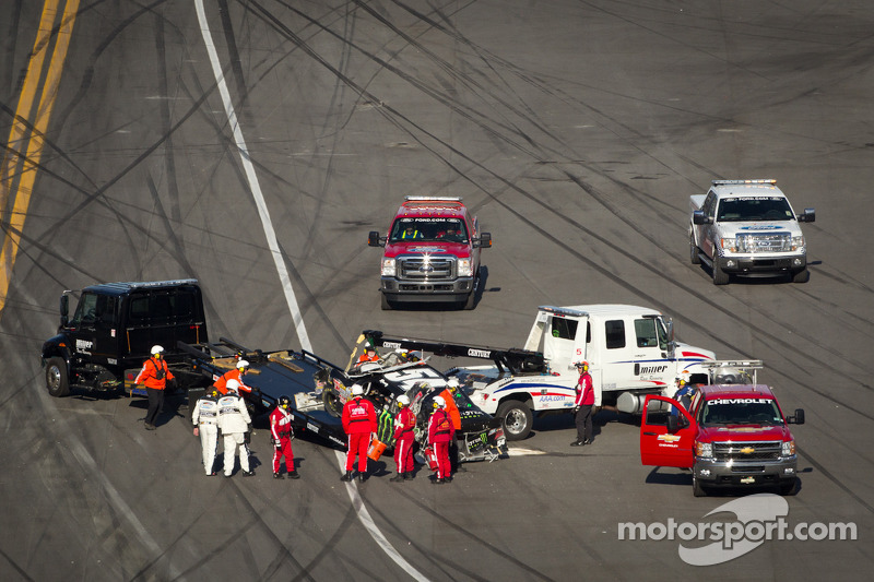 Kyle Busch, Kyle Busch Motorsports Toyota after a crash