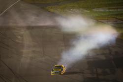 Race winner Matt Kenseth, Roush Fenway Racing Ford celebrates