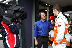 Martin Brundle, SKY TV and Paul di Resta, Sahara Force India Formula One Team