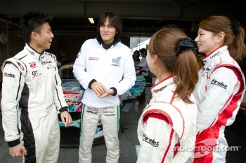 Nobuteru Taniguchi with Super GT TV presenters