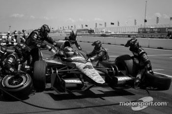 Pit stop for J.R. Hildebrand, Panther Racing Chevrolet