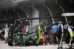 Heikki Kovalainen, Caterham makes a pit stop