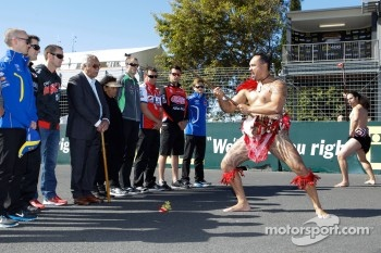 V8 Supercars drivers with Maori warriors