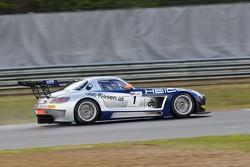 #1 Heico Gravity-Charouz Team Mercedes-Benz SLS AMG GT3: Dominik, Maximilian Buhk