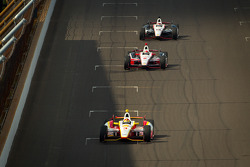 Helio Castroneves, Team Penske Chevrolet, Ryan Briscoe, Team Penske Chevrolet, Will Power, Verizon Team Penske Chevrolet