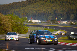 #211 BMW 325i: Renato Kirin, Thomas Röder, Stefan Ladner, Damian Thiel