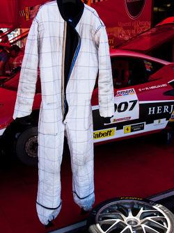 #007 Race Suite