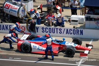 Pit stop for James Jakes, Dale Coyne Racing Honda